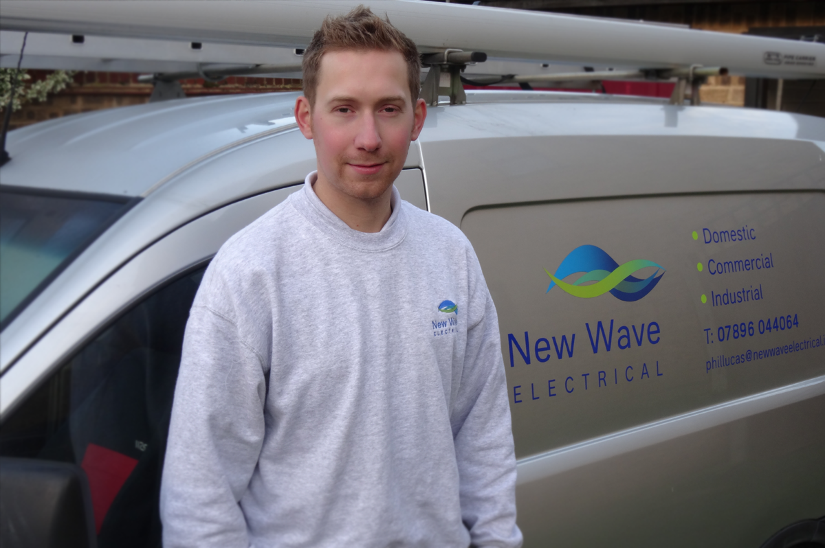 http://www.newwaveelectrical.co.uk/wp-content/uploads/2015/07/staff_phil-1200x798.png